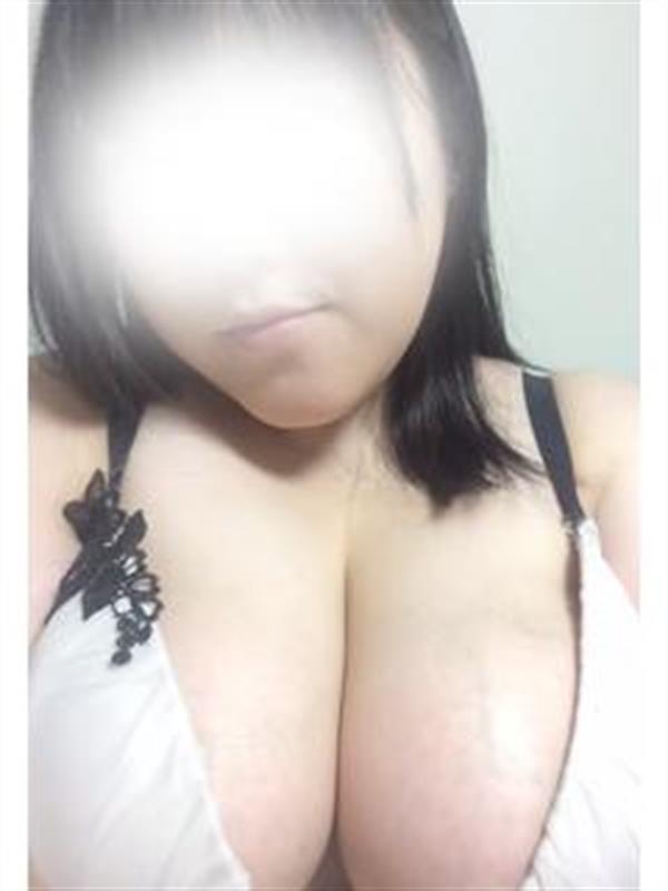 なな(24)